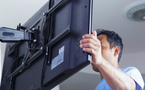 TV mounting services with experts and professionals
